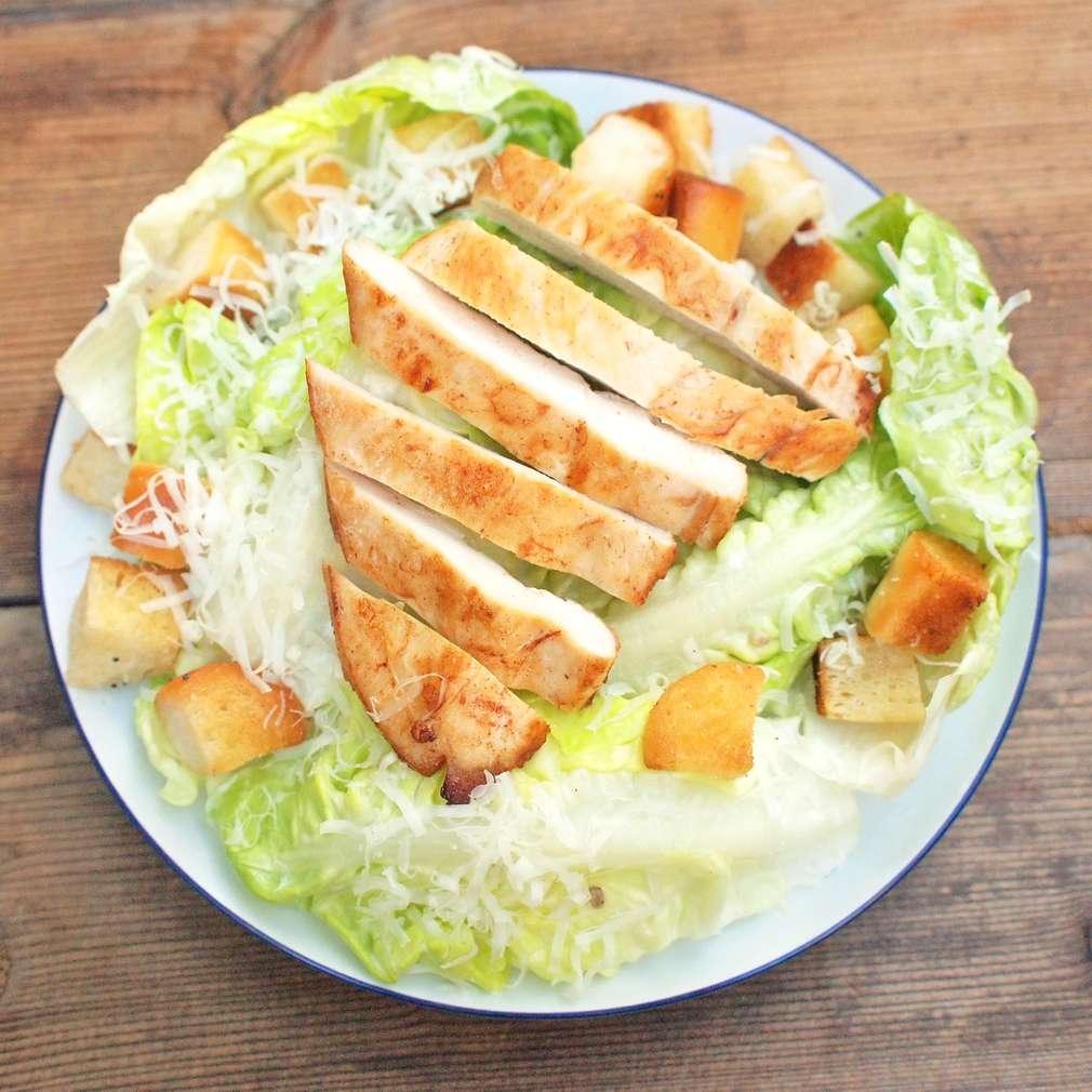 Zobrazit Rychlý salát á la Caesar s kuřetem receptů