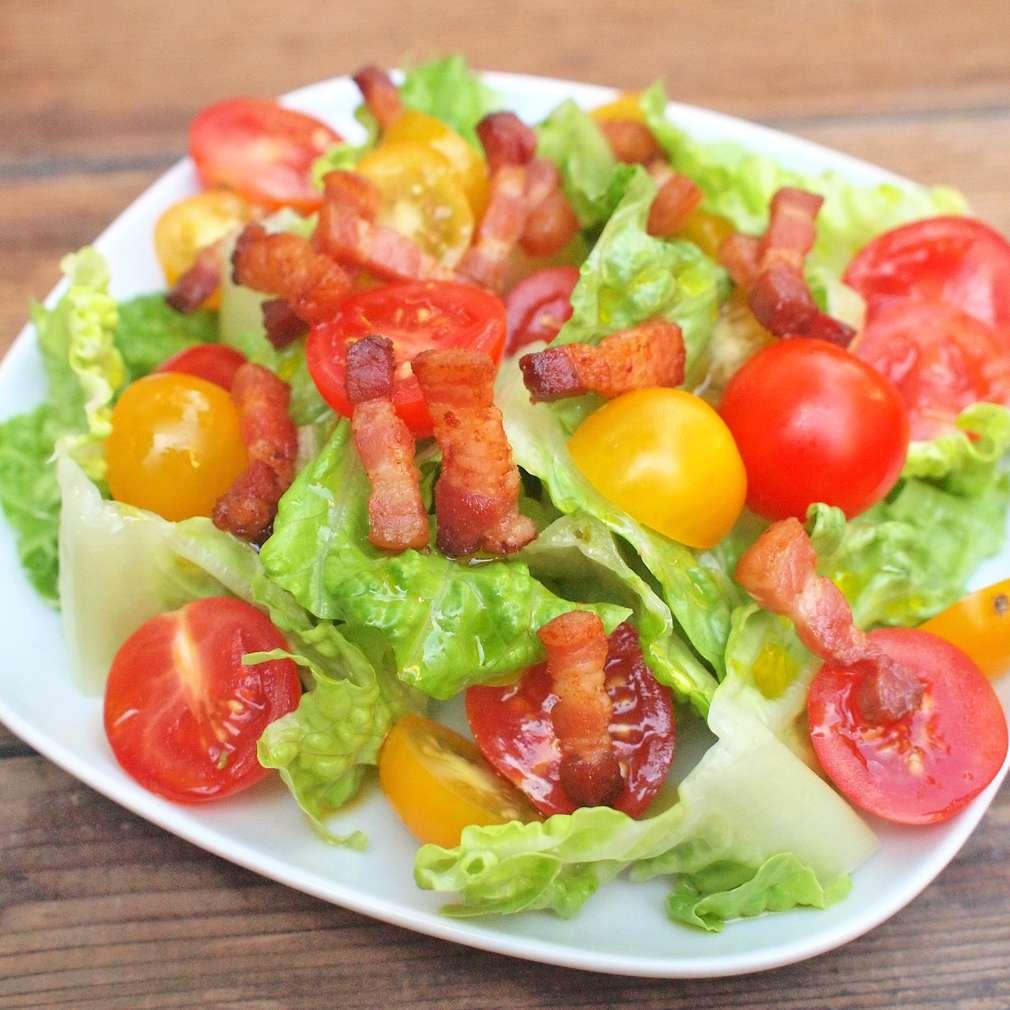 Zobrazit Římský salát se slaninou receptů