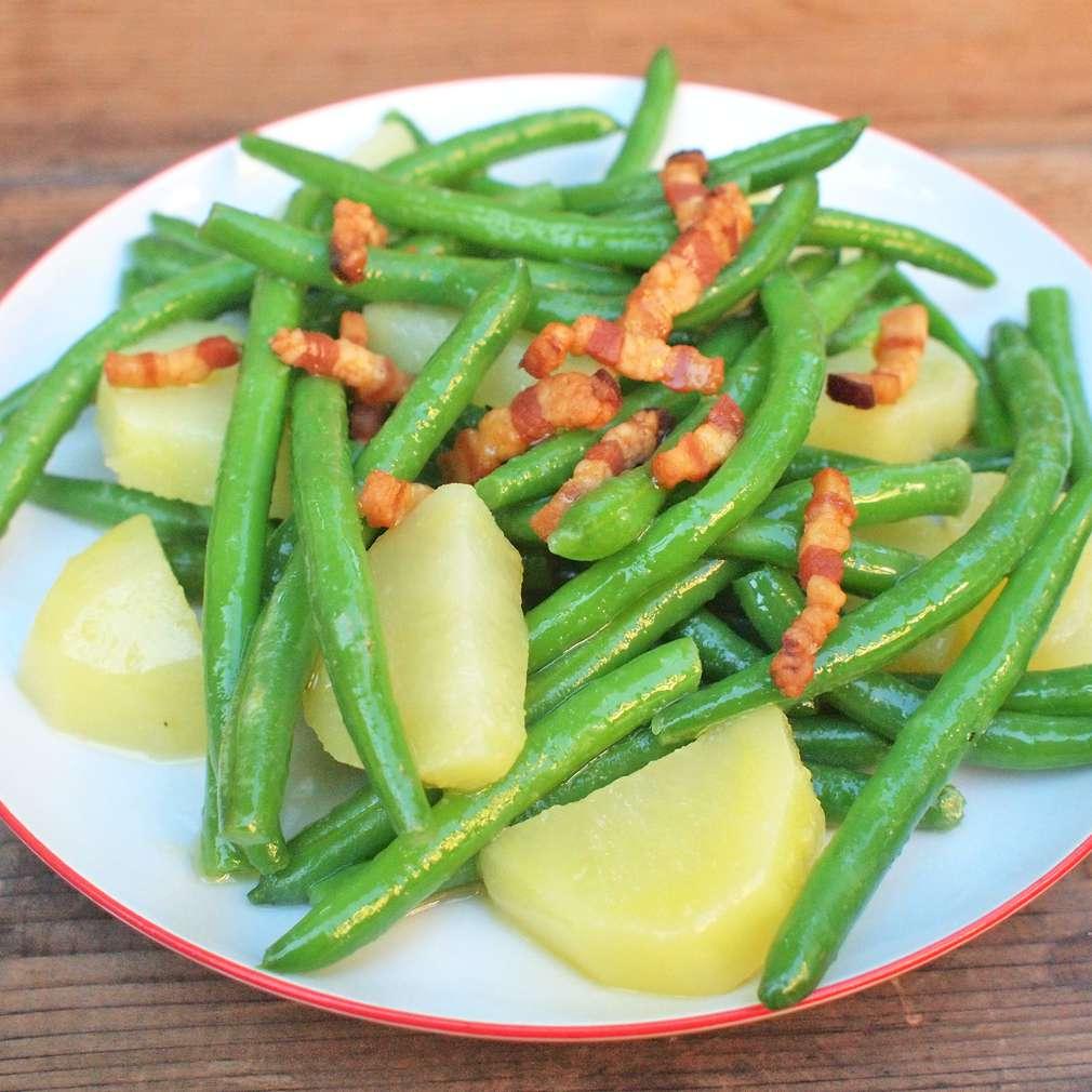 Zobrazit Bramborový salát s fazolkami receptů