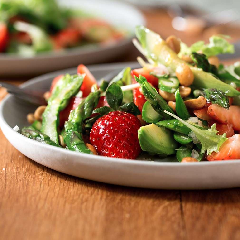 Abbildung des Rezepts Erdbeersalat mit Erdnuss