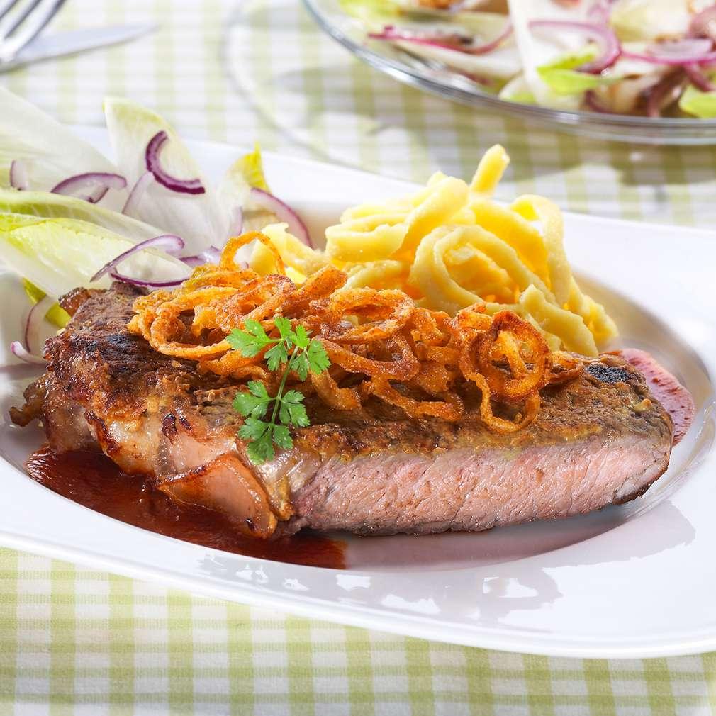 Изобразяване на рецептата Телешко с шпецли и салата от цикория