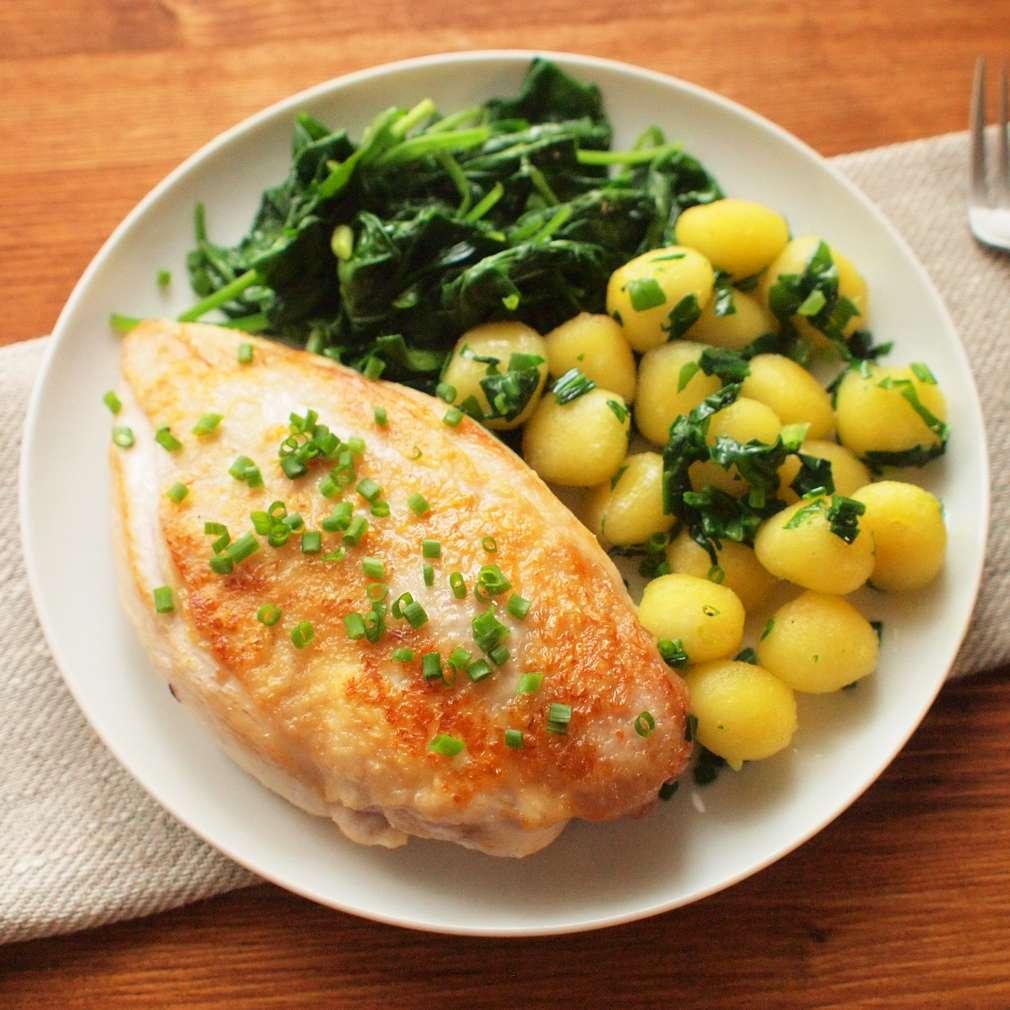 Zobrazit Jarní kuřátko s bylinkovými noky receptů