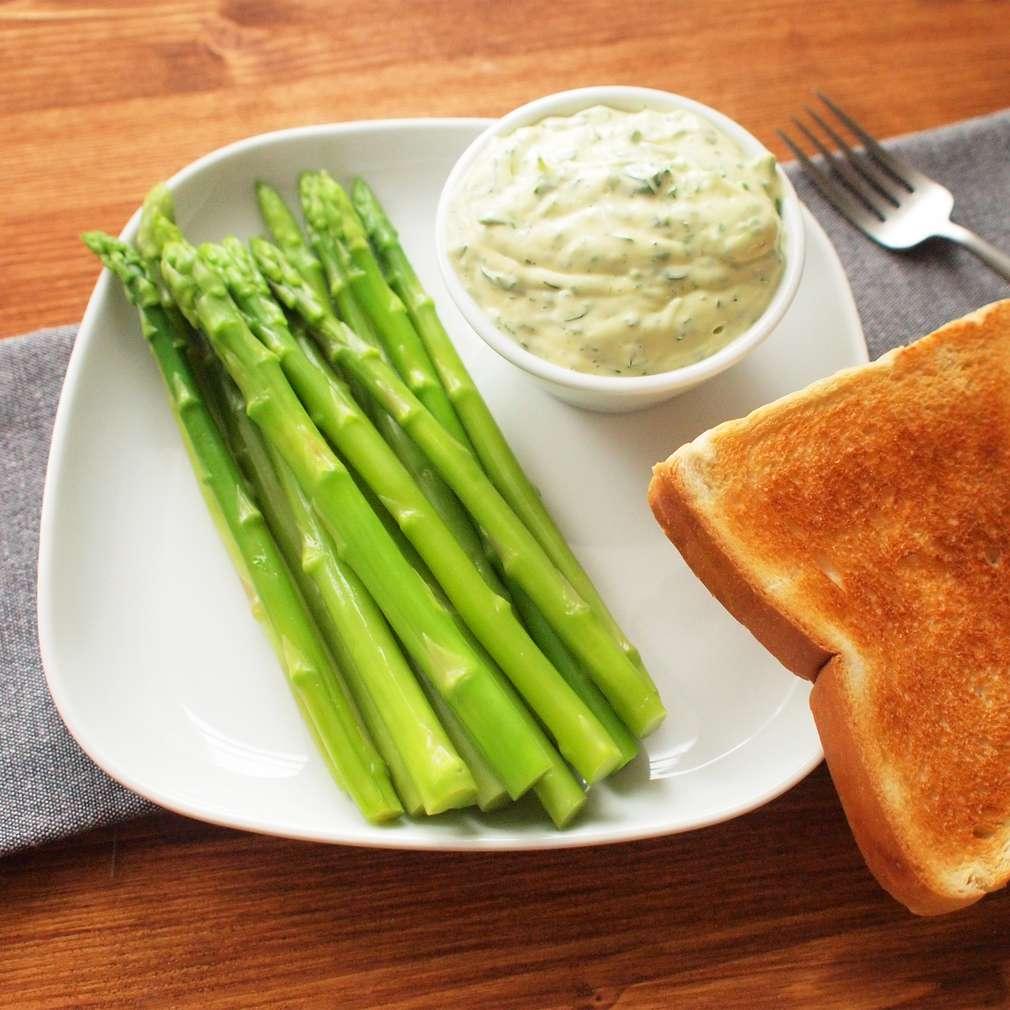 Zobrazit Chřest s bylinkovou majonézou receptů