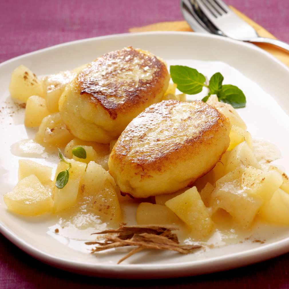 Zobrazit Na másle smažené škubánky s tvarohem receptů