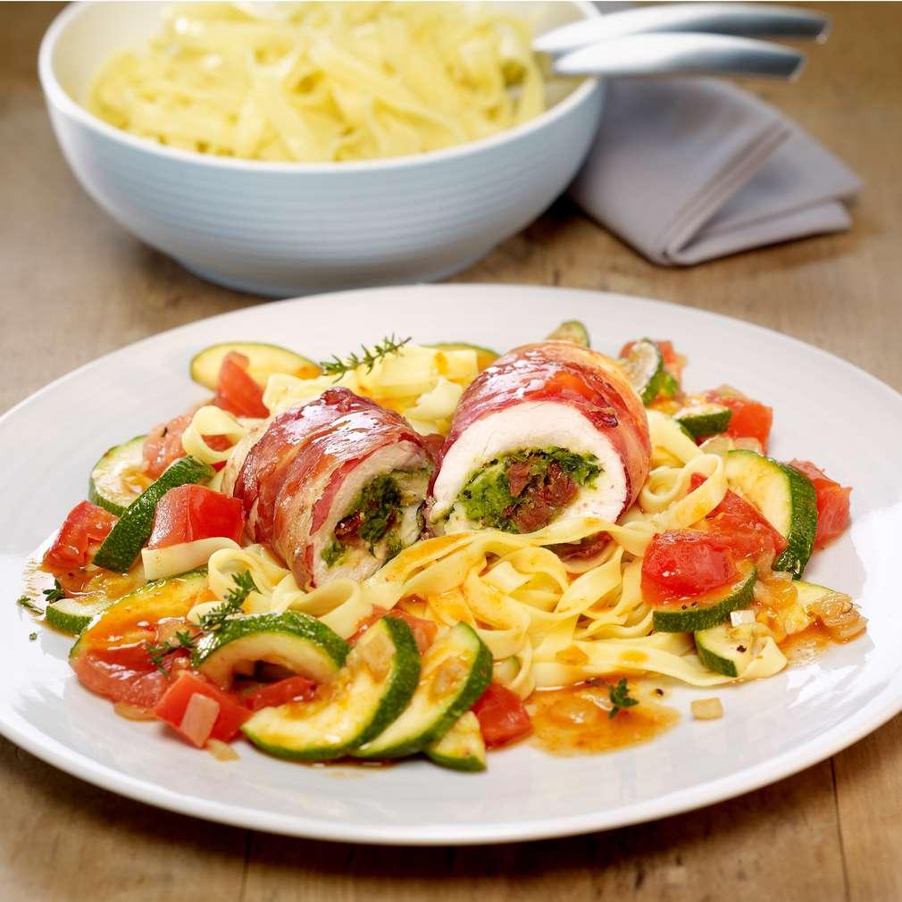 Zobrazit Kuřecí závitky s mozzarellou, rajčaty a sušenou šunkou receptů