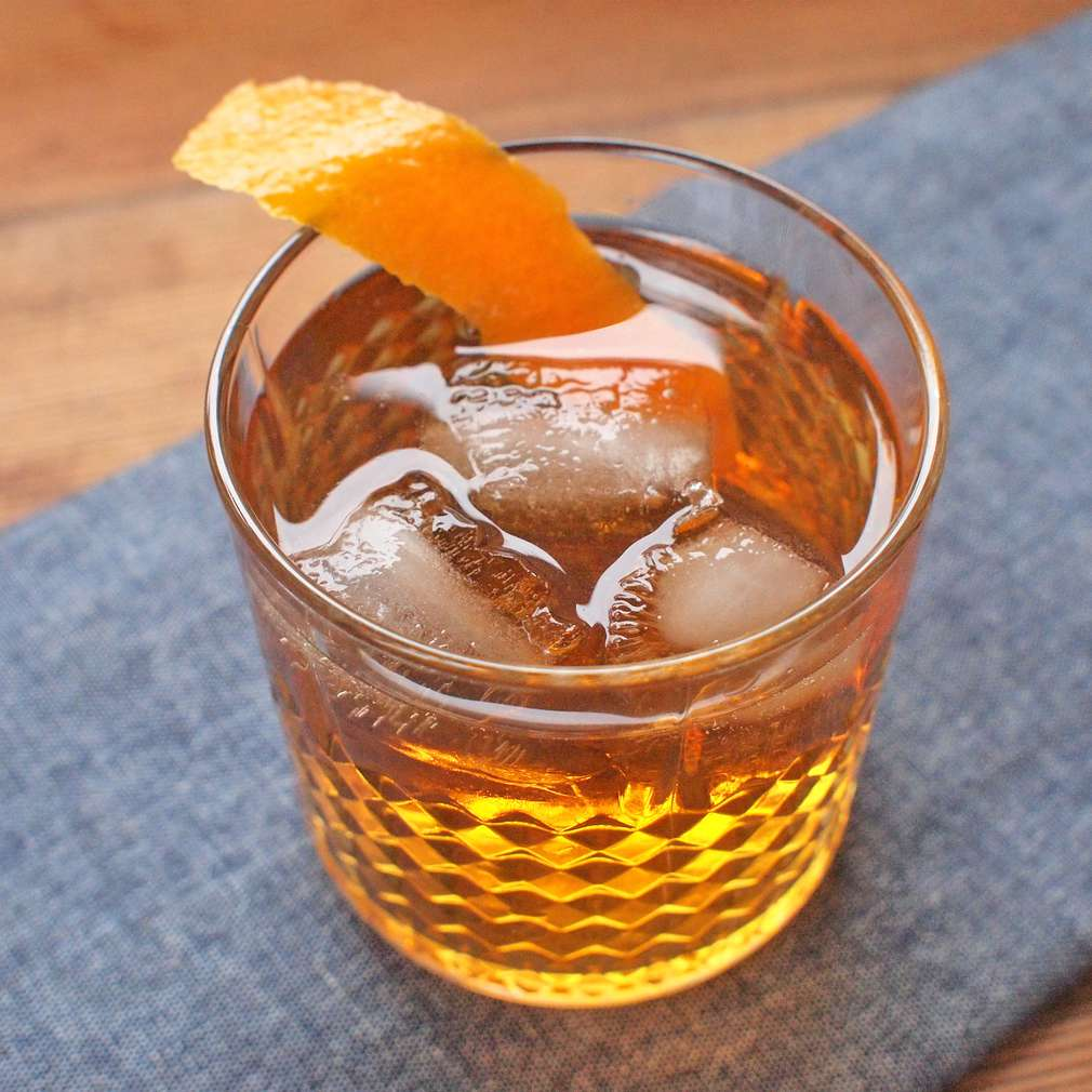 Zobrazit Jablečný bourbon receptů