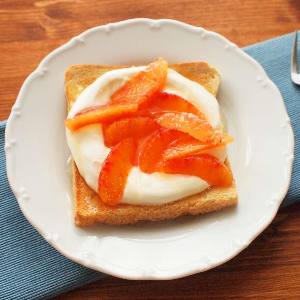 Zobrazit Jogurtový toast s pomeranči receptů