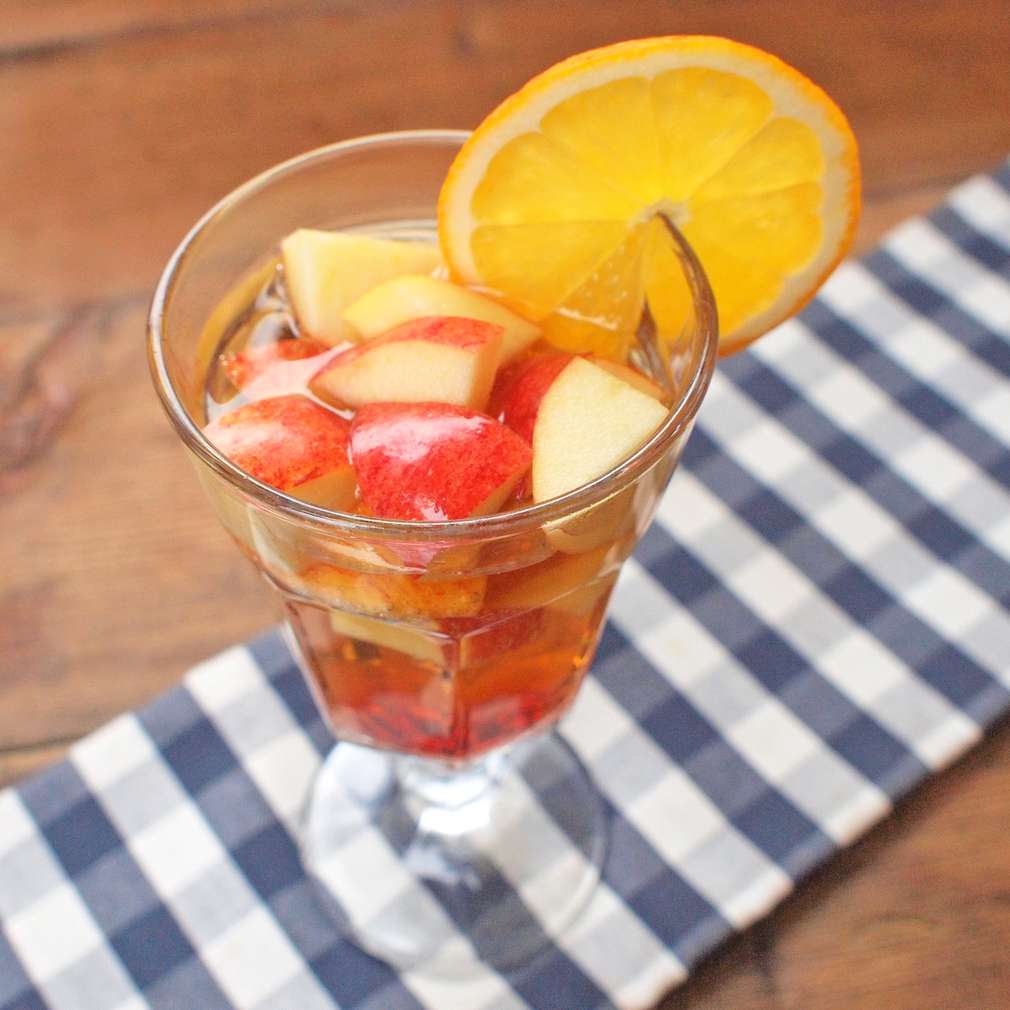 Zobrazit Sangria z cideru receptů