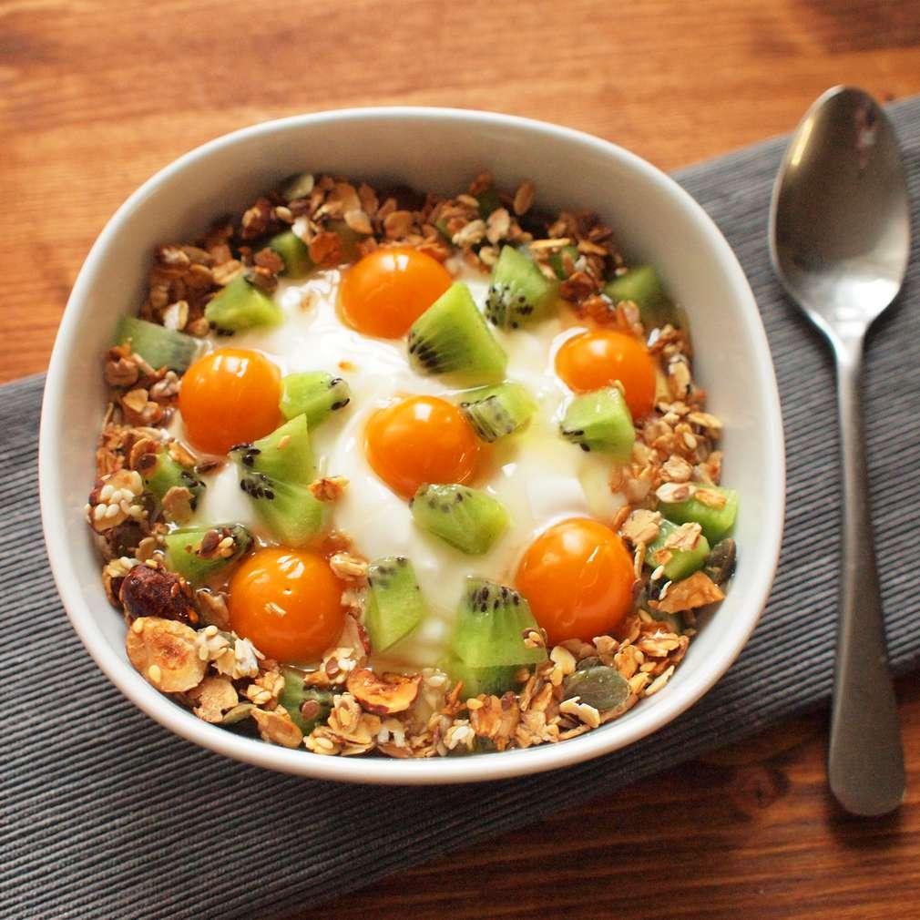 Zobrazit Řecký jogurt s kiwi receptů