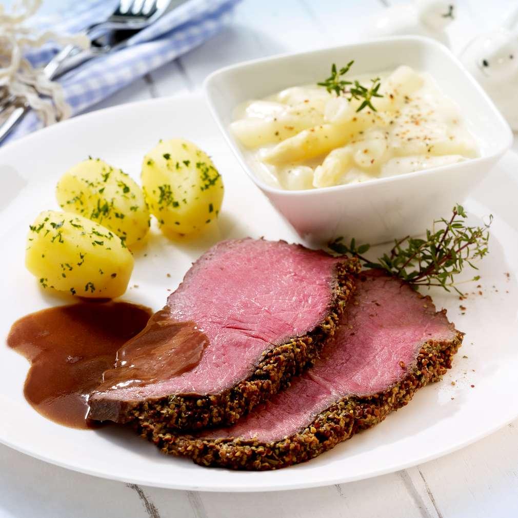 Abbildung des Rezepts Roastbeef mit Spargelragout und Kräuterkartoffeln