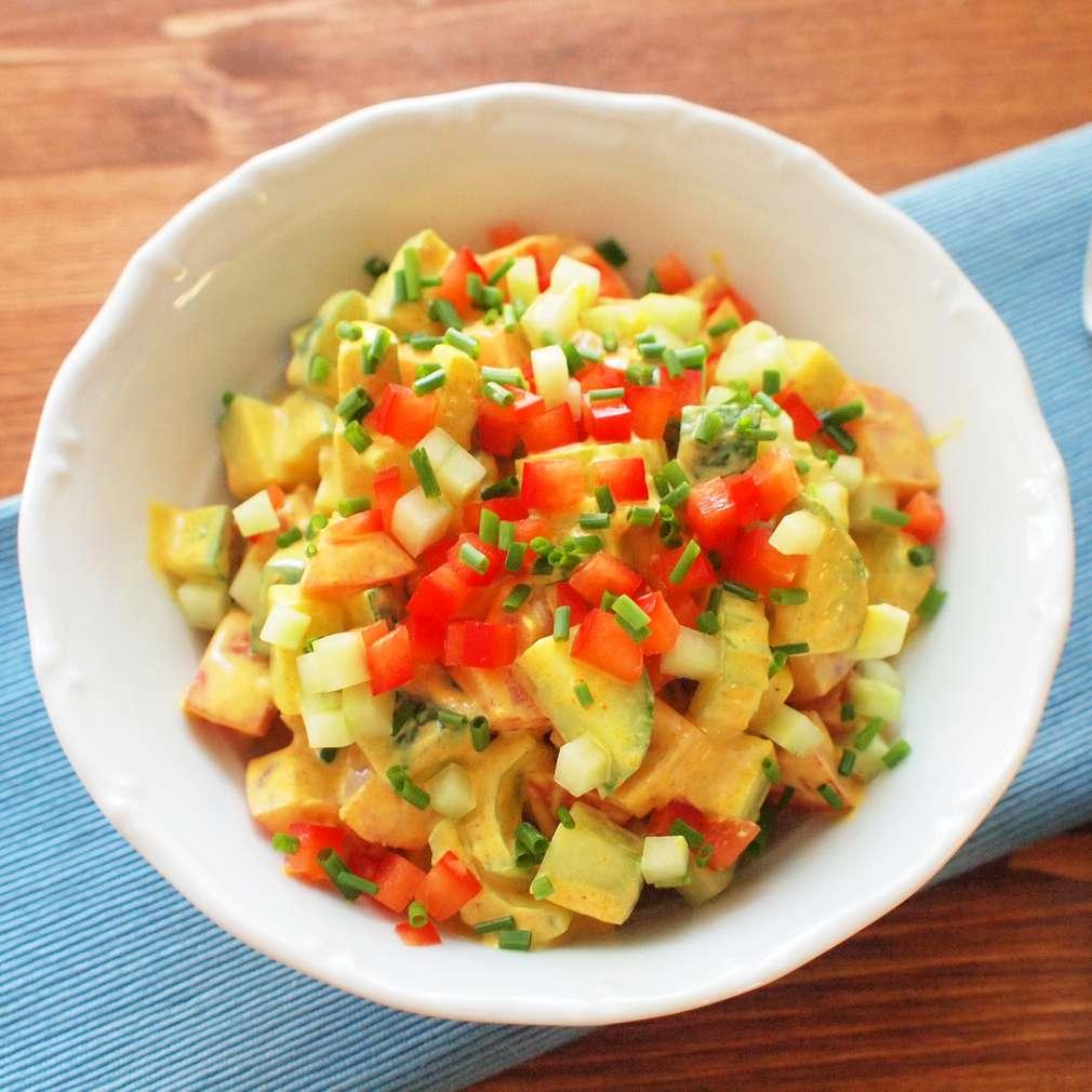 Zobrazit Krémový salát s kurkumou receptů