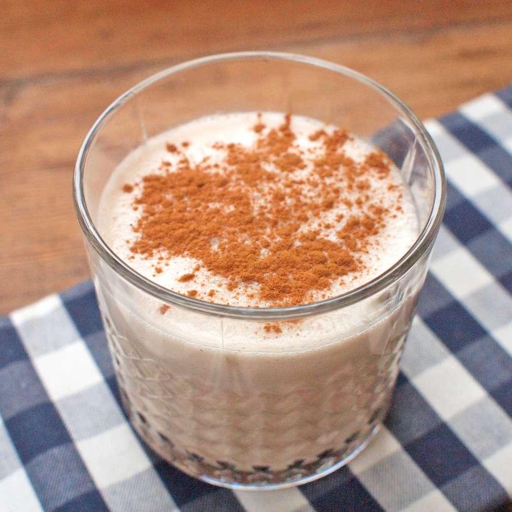 Zobrazit Karamelový milkshake se skořicí receptů