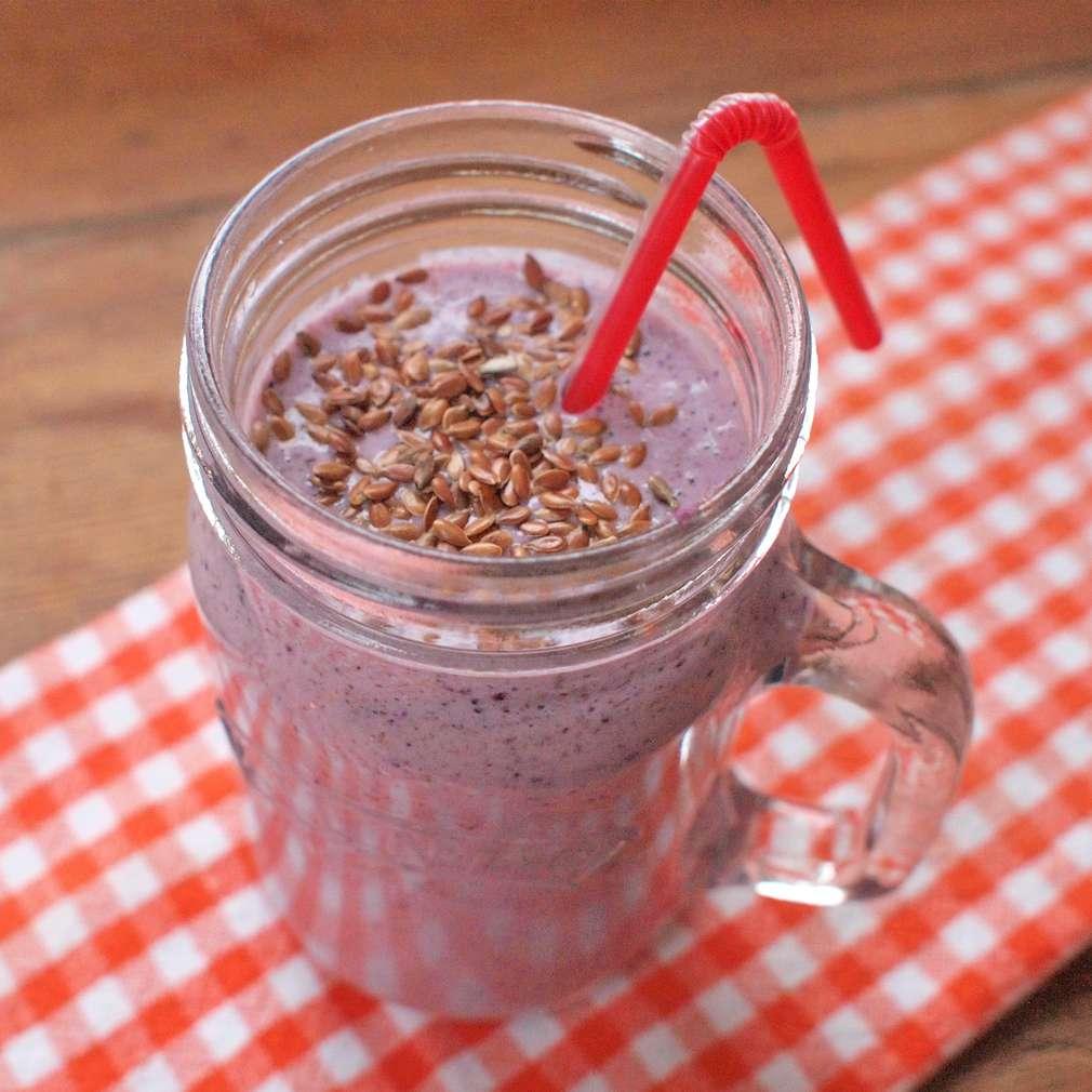 Zobrazit Borůvkové smoothie s lněným semínkem receptů