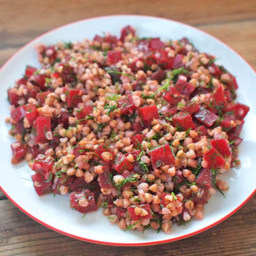 Zobrazit Pohanka s červenou řepou receptů