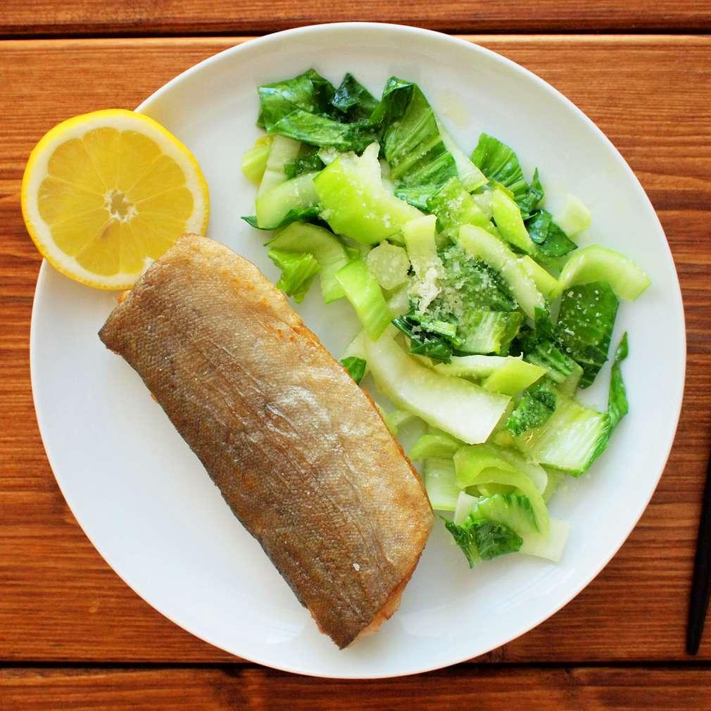 Zobrazit Filety ze pstruha s dušeným mangoldem receptů
