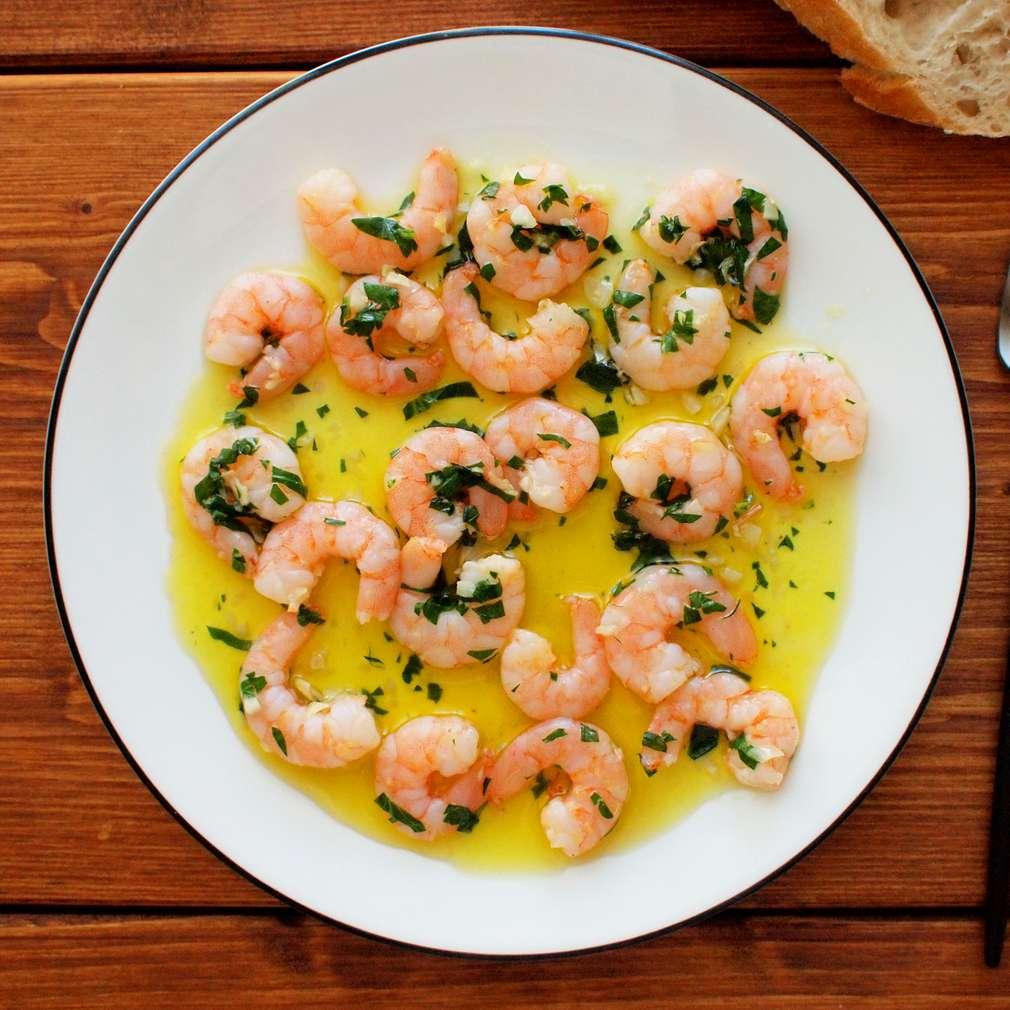 Zobrazit Krevety na česneku receptů