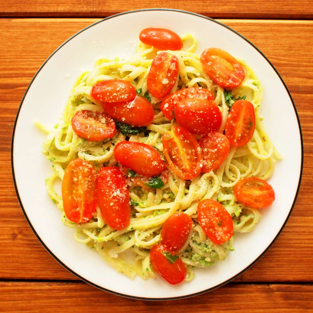 Zobrazit Špagety s rajčaty a vlašskými ořechy receptů