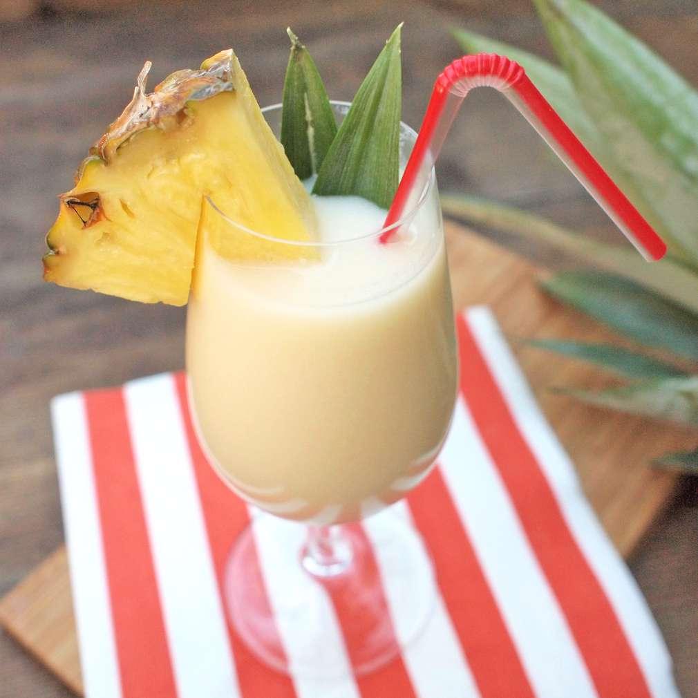 Zobrazit Piña Colada koktejl receptů
