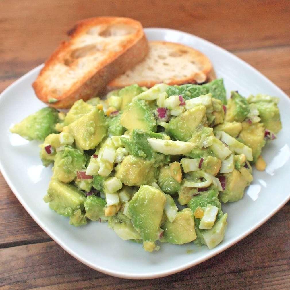 Zobrazit Vajíčkový salát s avokádem receptů