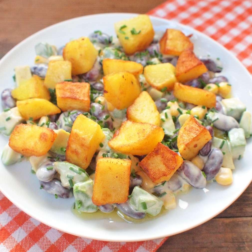 Opečené brambory s fazolemi