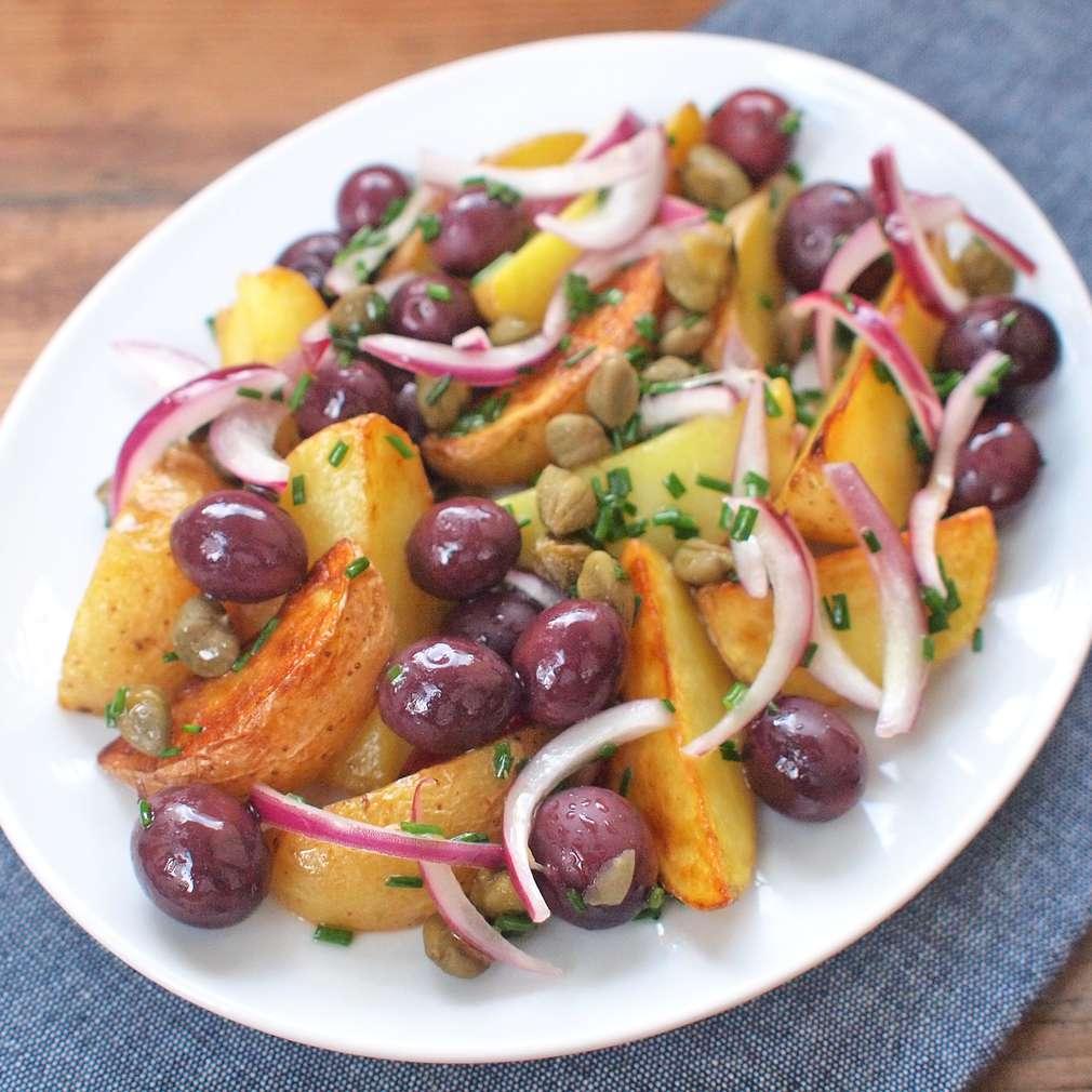 Zobrazit Řecké pečené brambory receptů
