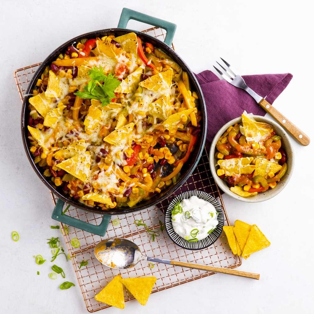 Zobrazit Zapékaná tex-mex miska se zeleninou a tortilla chipsy receptů