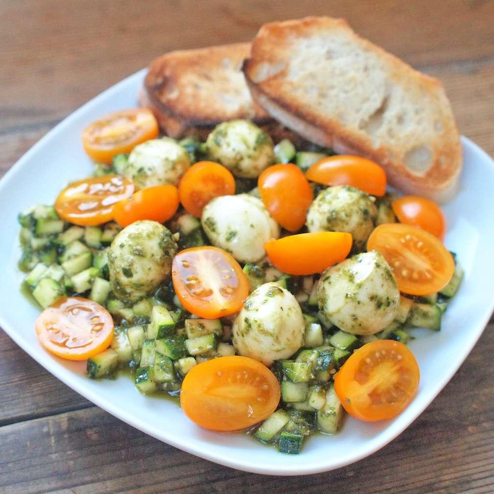 Zobrazit Cuketa s bazalkovým pestem receptů