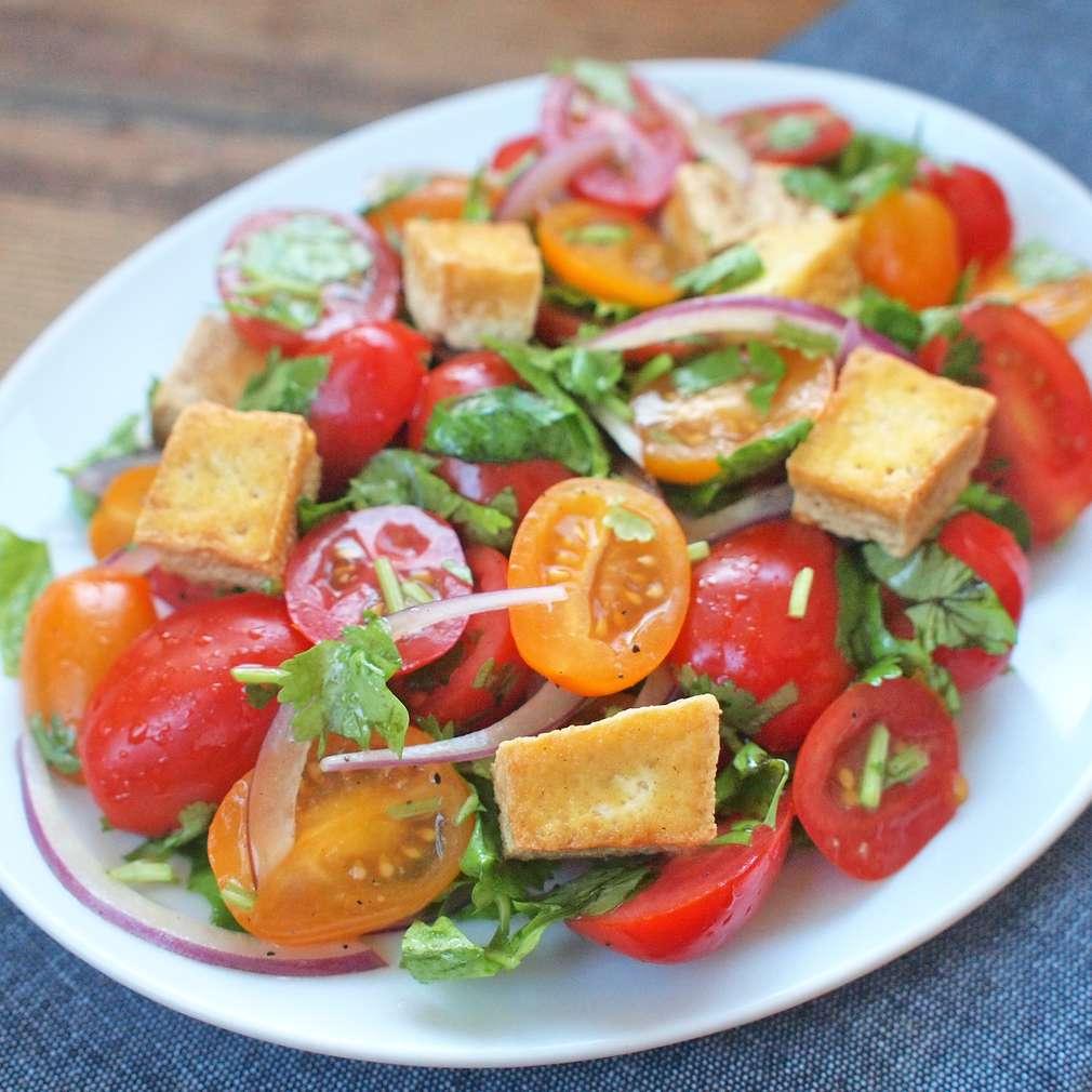 Zobrazit Rajský salát s křupavým tofu receptů
