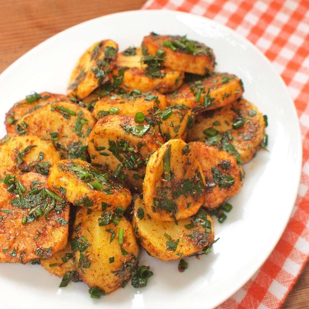 Bylinkové brambory s adžikou