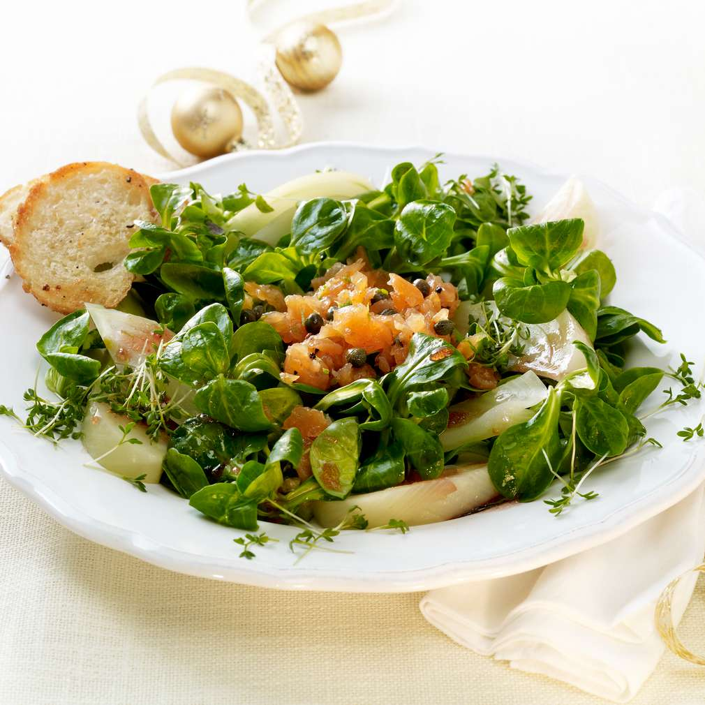 Zobrazit Fenyklový salát s uzeným lososem receptů