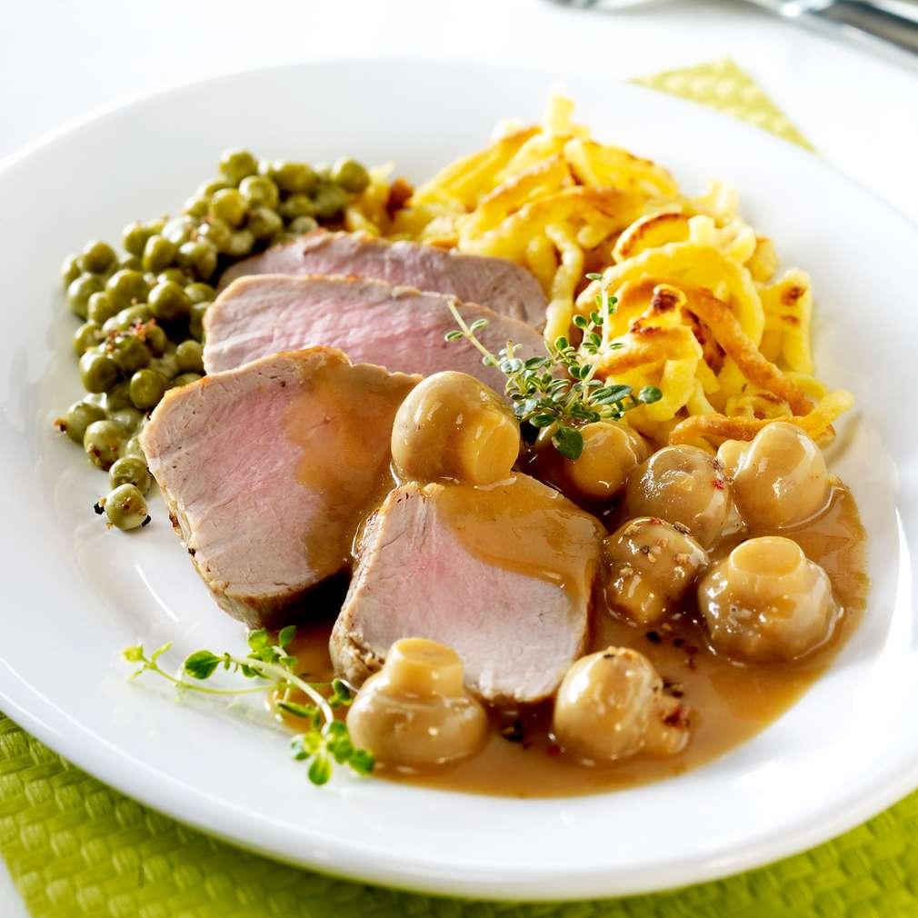 File de porc cu ciuperci și mazăre