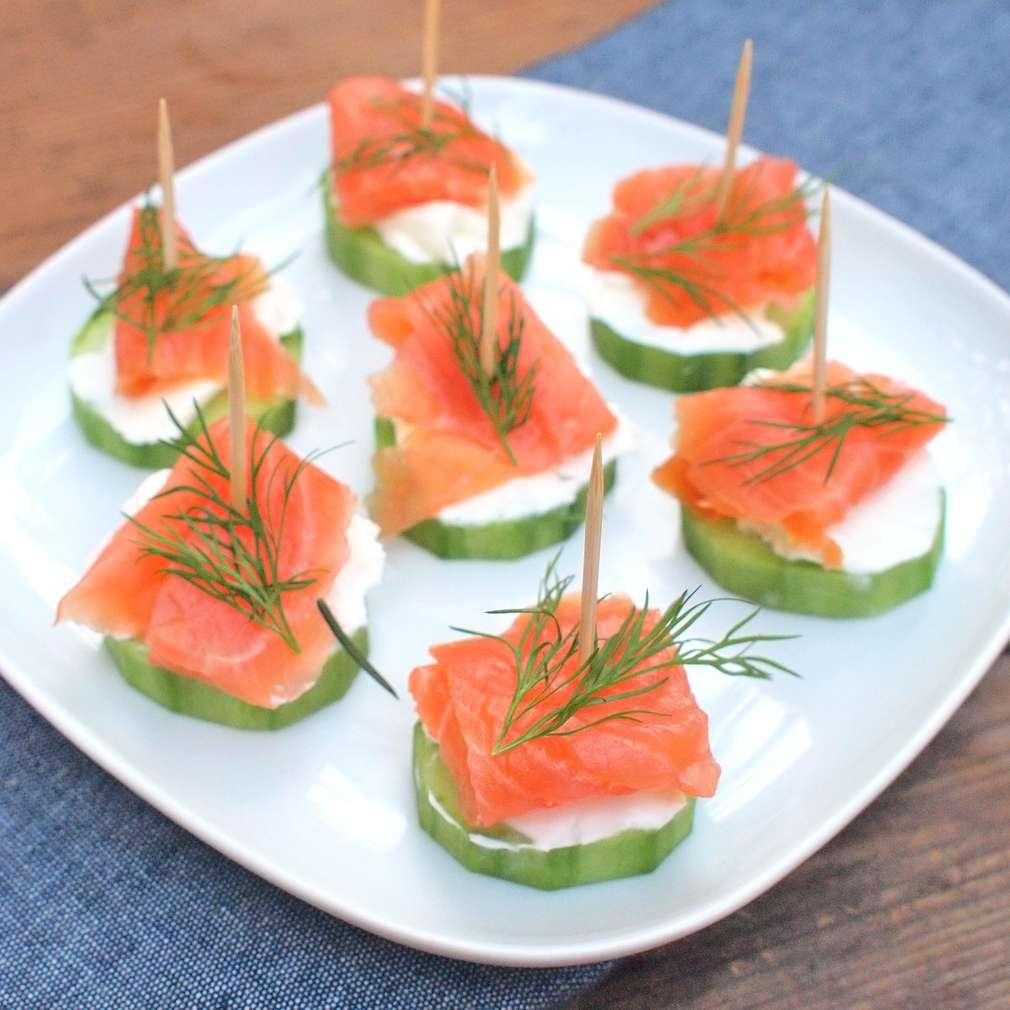 Zobrazit Okurkové jednohubky s lososem receptů