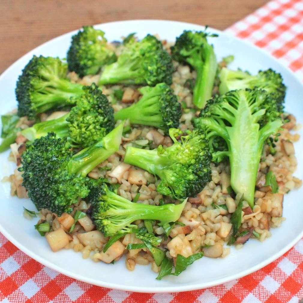 Zobrazit Houbový bulgur s brokolicí receptů