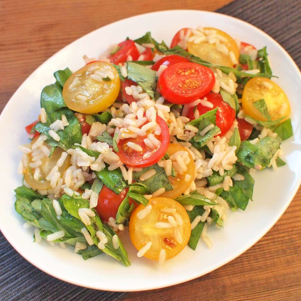 Zobrazit Rýžový salát s rajčaty receptů