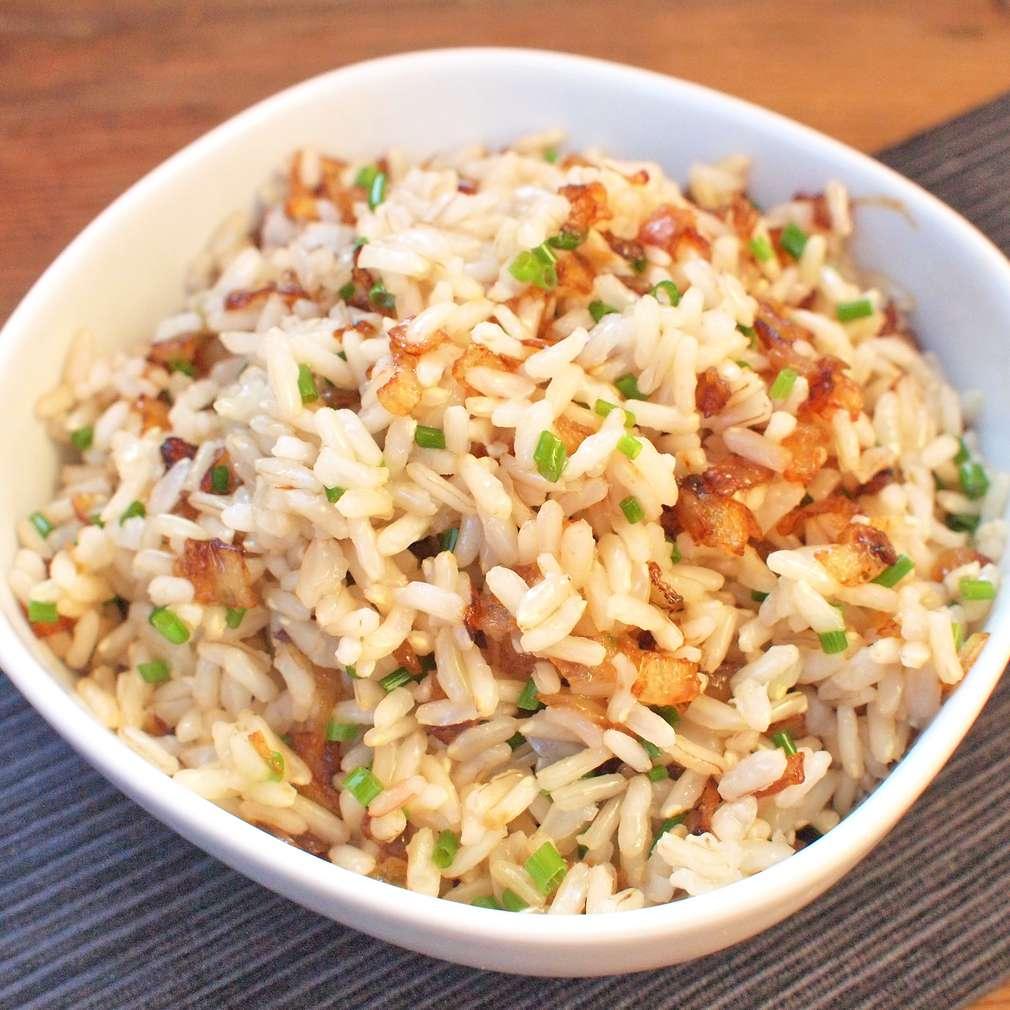 Zobrazit Rýže natural se smaženou cibulkou receptů