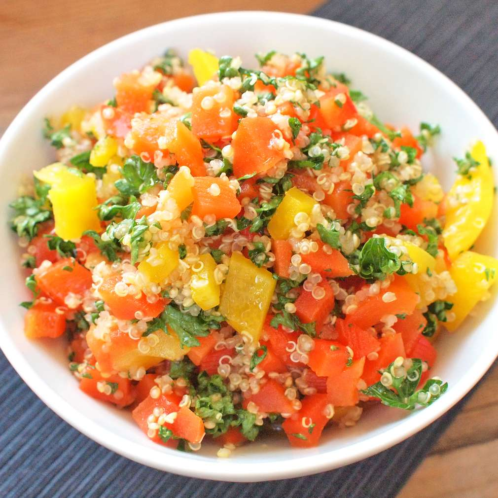 Zobrazit Quinoa s grilovanou paprikou receptů
