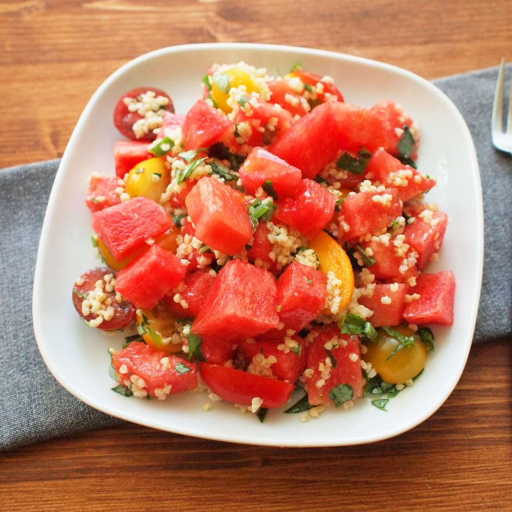Zobrazit Melounový salát s quinoou receptů