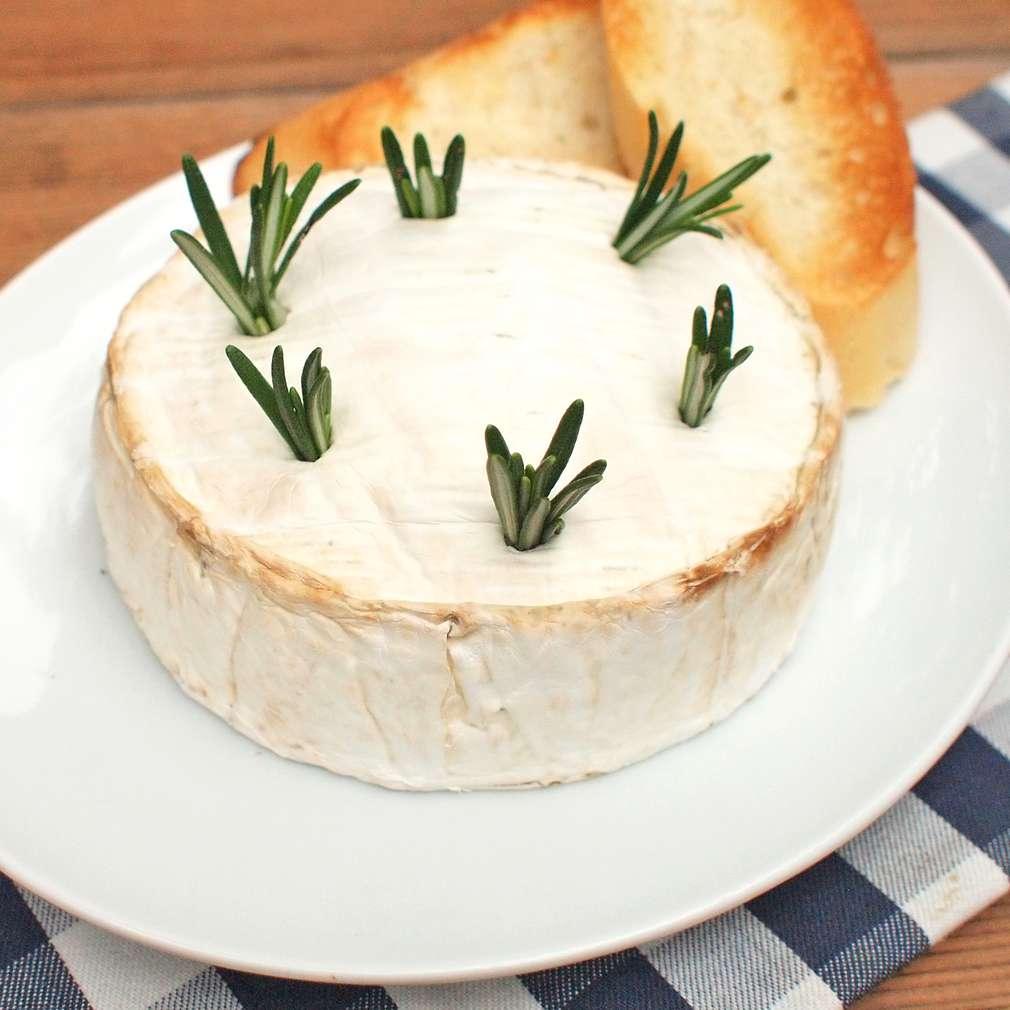 Zobrazit Rozpečený sýr camembert receptů