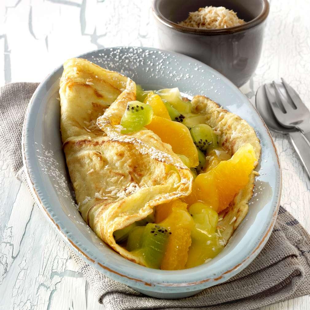 Abbildung des Rezepts Kokos-Pfannkuchen mit Kiwi-Orangen-Füllung