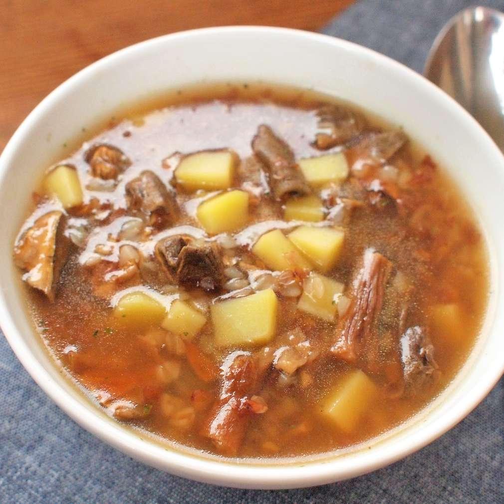 Zobrazit Pohanková polévka s houbami receptů