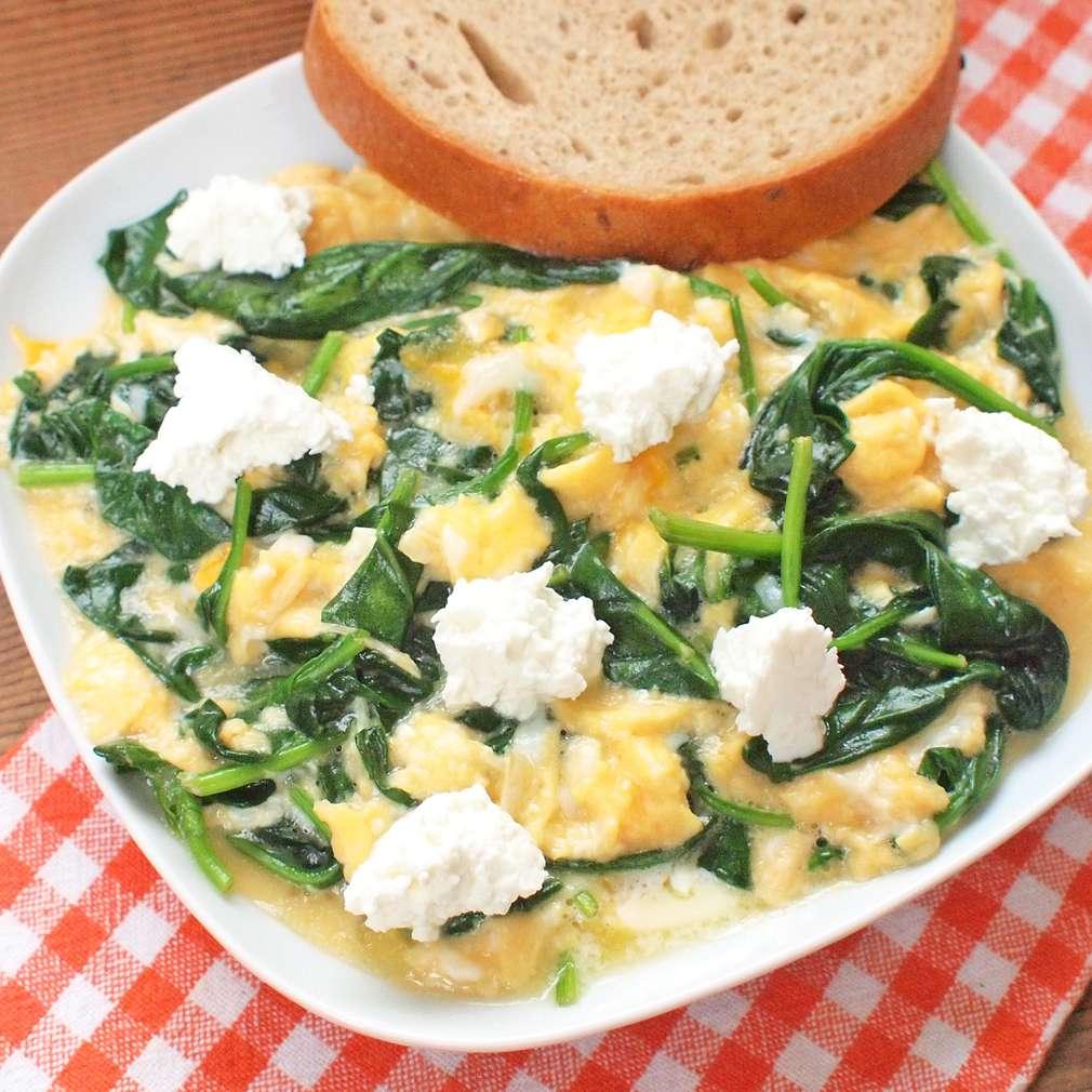 Zobrazit Míchaná vejce se špenátem receptů