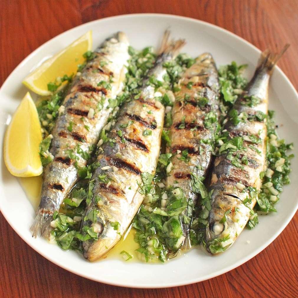 Zobrazit Grilované sardinky v česnekové marinádě receptů