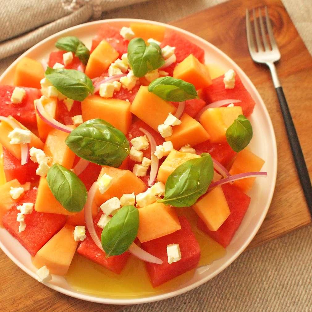 Zobrazit Dvoubarevný salát s melounem receptů