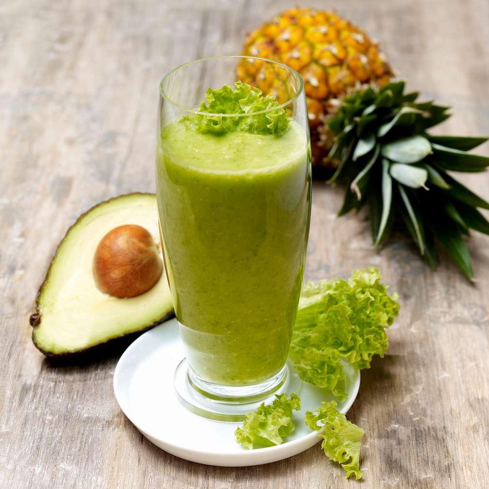 Abbildung des Rezepts Salat-Ananas-Smoothie