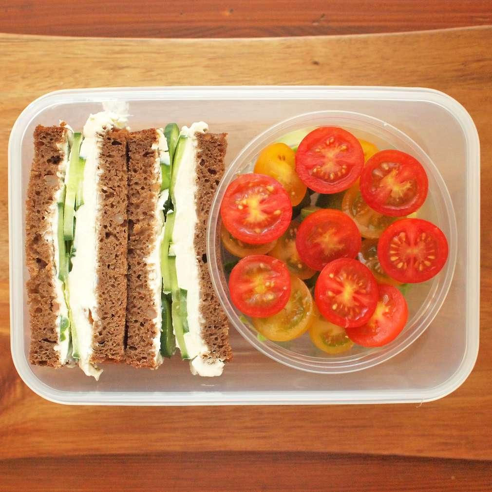 Zobrazit Okurkové sendviče s žitným chlebem do krabičky receptů