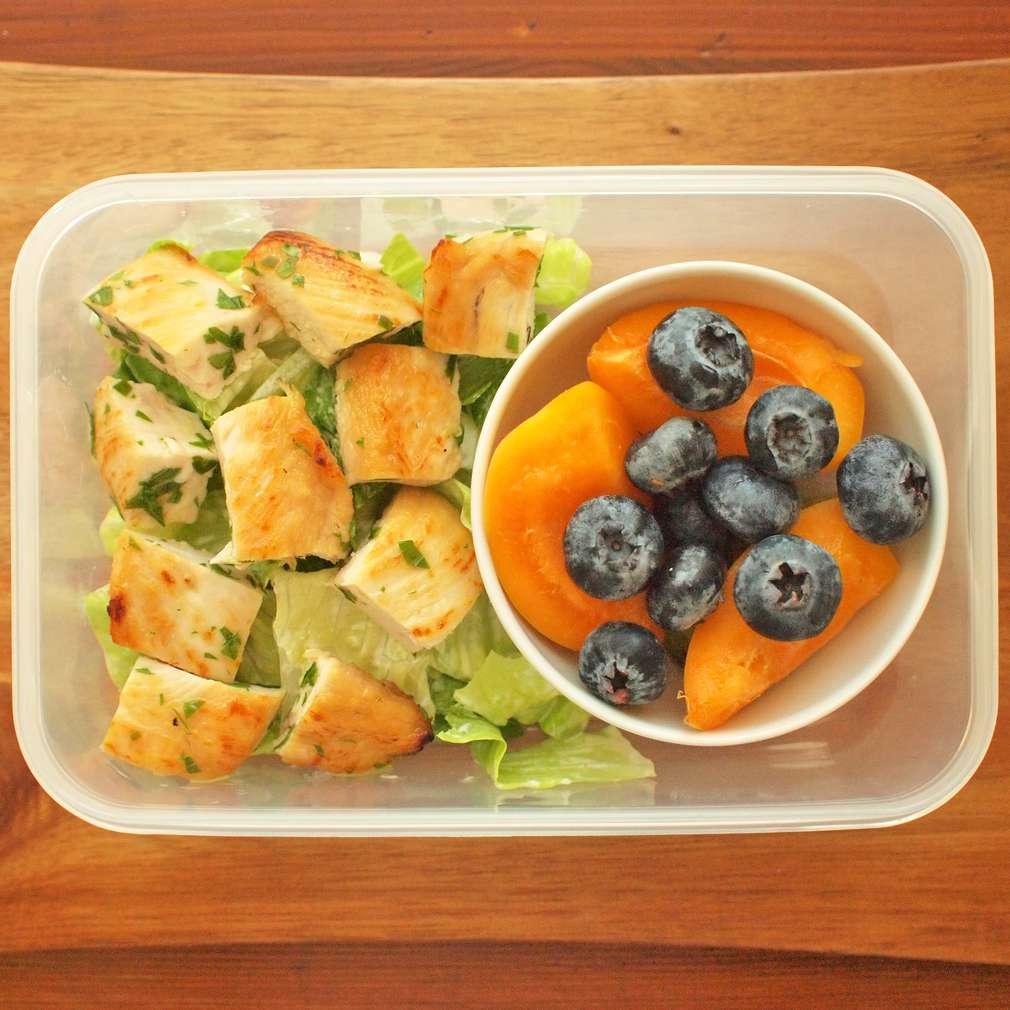 Zobrazit Grilované kuře se salátem do krabičky receptů