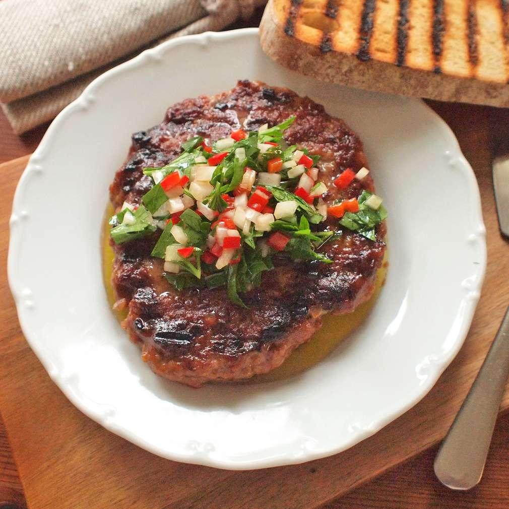 Zobrazit Sekaný steak s pikantní salsou receptů