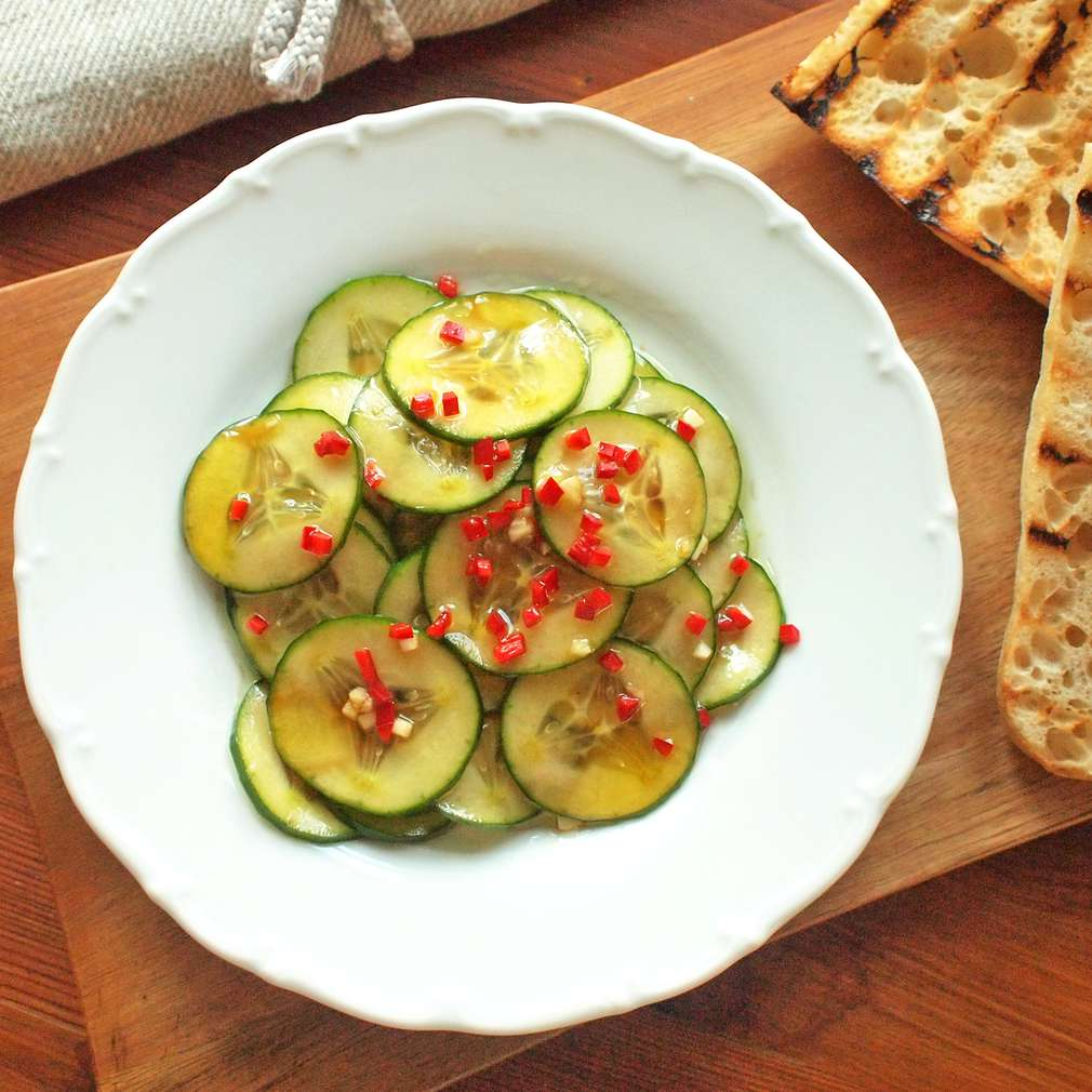Zobrazit Pikantní chilli okurky receptů