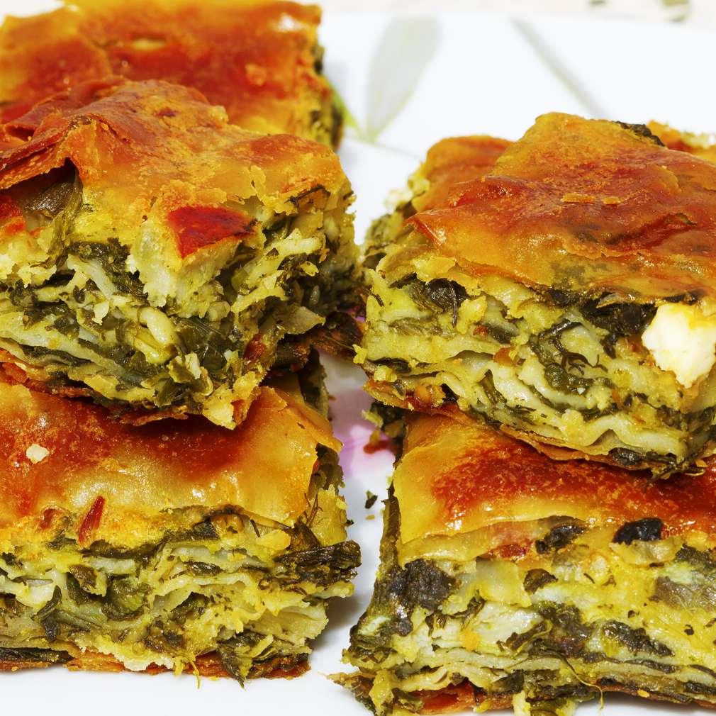 Imaginea rețetei Plăcintă cu spanac și brânză