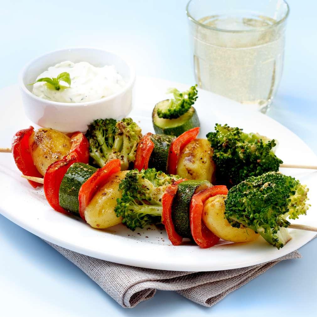 Abbildung des Rezepts Gemüse-Spieße mit Joghurt-Frischkäse-Dip
